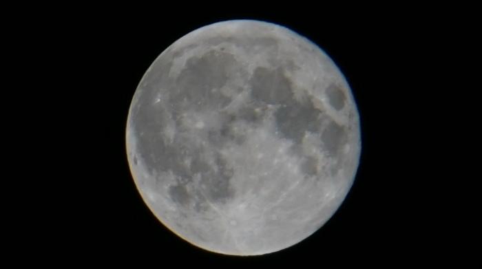 それなりに撮れたお月様