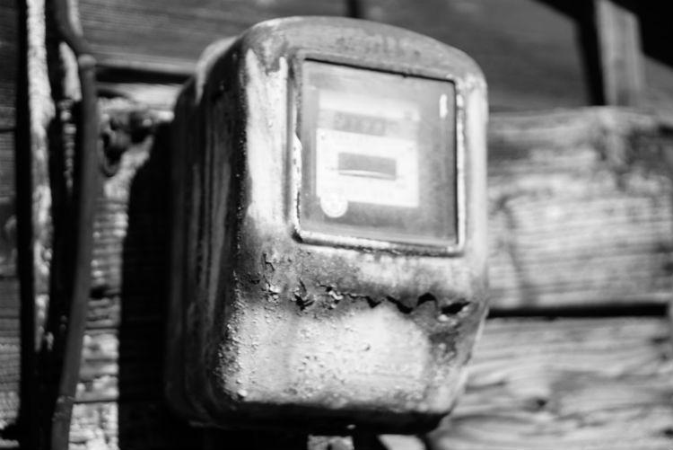 電気メーター白黒