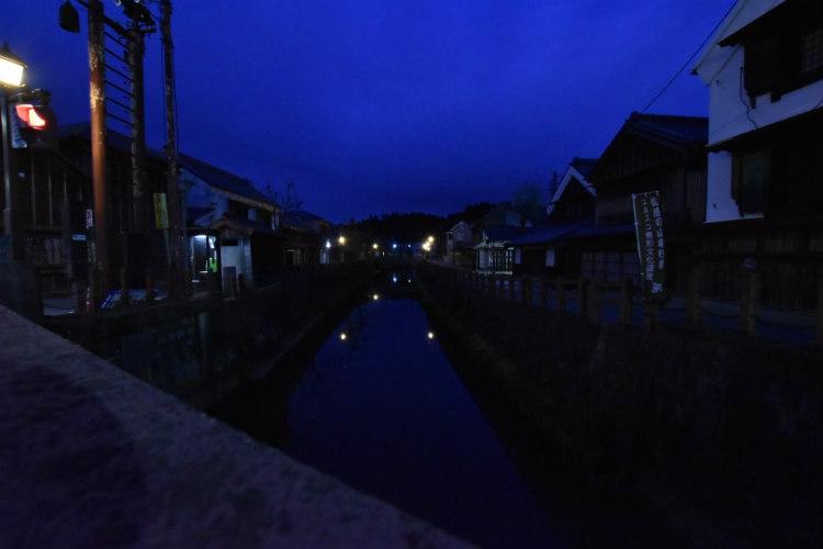 夜景撮影になっているが朝です