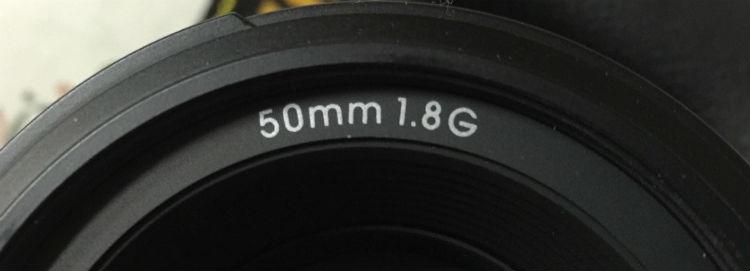 50mmの単焦点レンズの場合の記載はこんな感じ