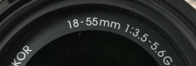 レンズ正面にも焦点距離は書いてあるね