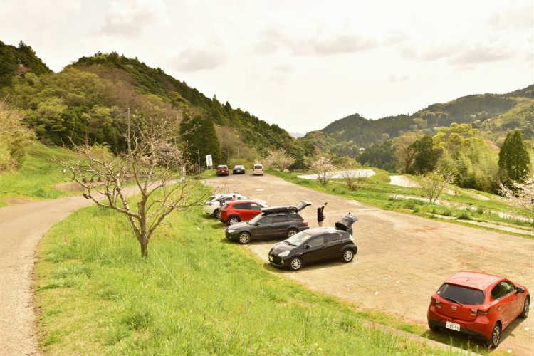 大山千枚田の駐車場なので路上に駐車はしないようにしよう