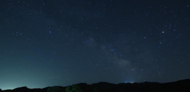 午前1時頃に娘達を起こして天の川と星空鑑賞です