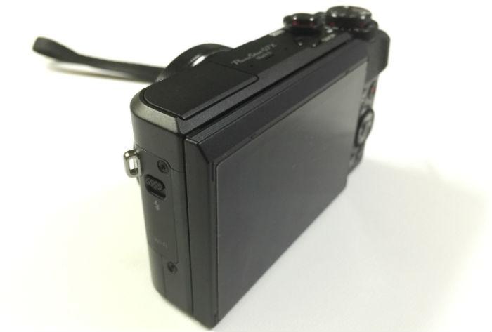 PowerShot G7X Mark2斜めから