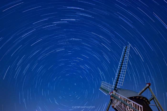 星と建物も同時に撮影出来る広さがある