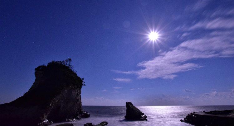 月夜の雀島