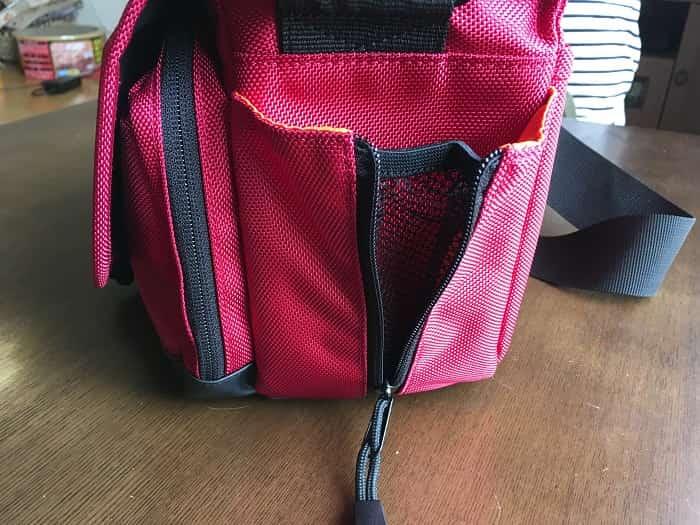 ETSUMI カメラバッグ ディースペック 5.6L レッドのサイド