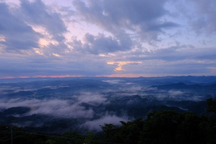 霧の鹿野山九十九谷