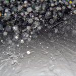雪の写真をストロボで撮影