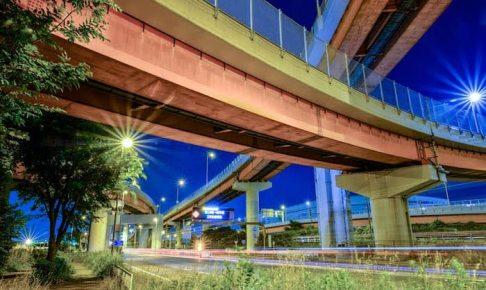 ジャンクション夜景と車の軌跡撮影